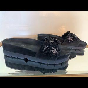 Tahari Black Avery Wedge Sandals. Size 6.5